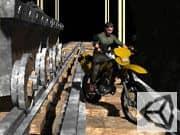 Acrobacias en la Mina en Moto Cross